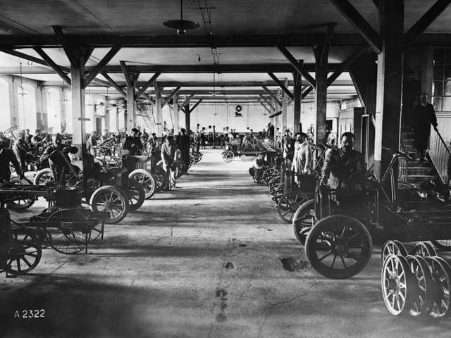 La aventura familiar – 1910, unificación de la producción de bicicletas, motocicletas y automóviles