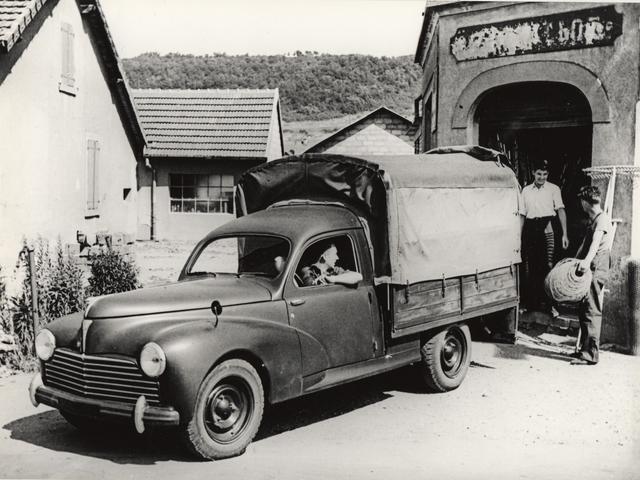 Vehículos comerciales – Camioneta con lona  en 1938