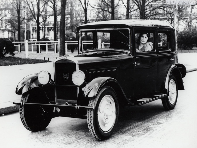 Dos siglos de innovación – 1929, presentación del Peugeot 201